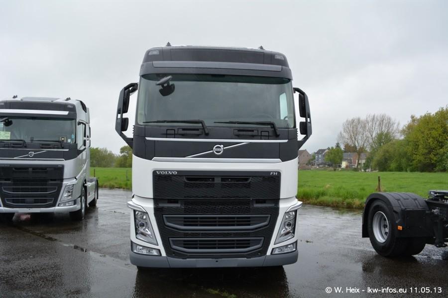 Truckshow-Montzen-Gare-110513-017.jpg