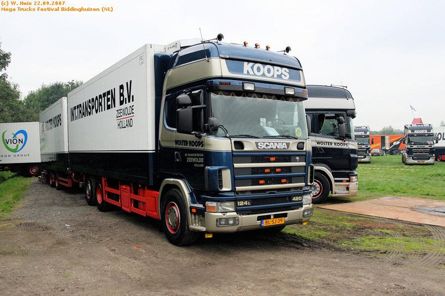20070921-Mega-Trucks-Festival-Biddinghuizen-00001.jpg