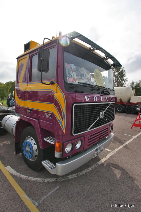 20141003-Retro-Truckshow-00008.jpg