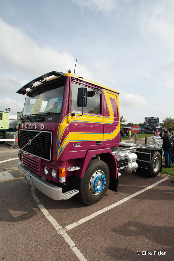20141003-Retro-Truckshow-00009.jpg