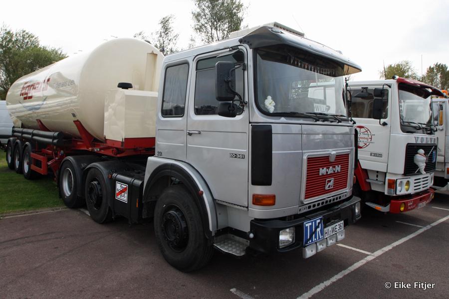20141003-Retro-Truckshow-00010.jpg