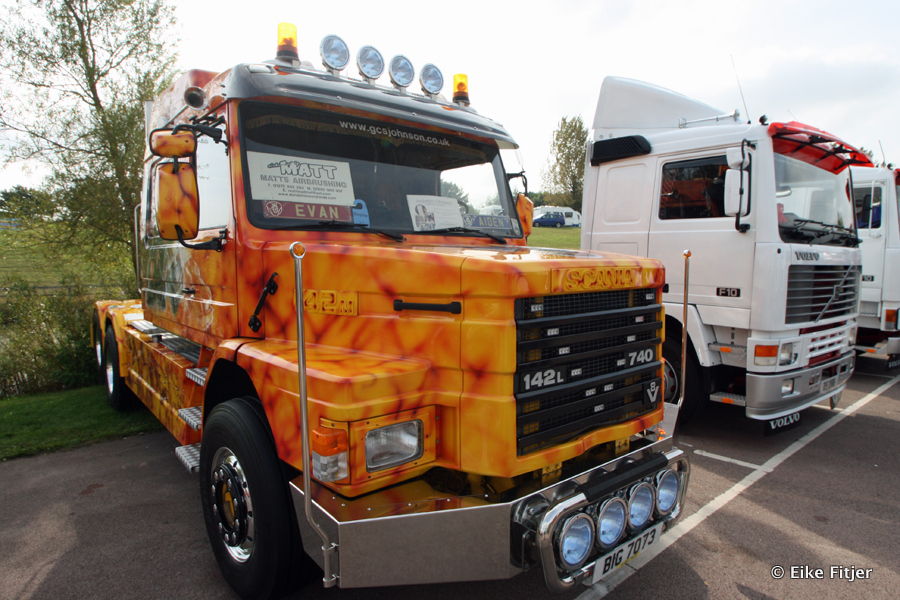 20141003-Retro-Truckshow-00029.jpg