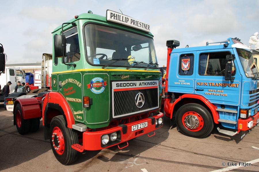 20141003-Retro-Truckshow-00085.jpg