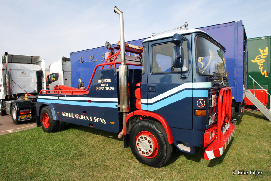 20141003-Retro-Truckshow-00135.jpg