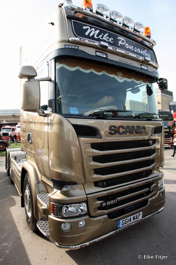20141003-Retro-Truckshow-00182.jpg
