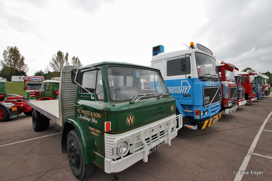 20141003-Retro-Truckshow-00386.jpg