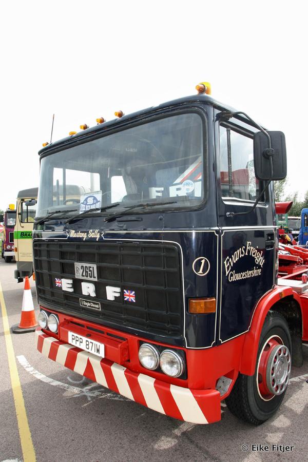 20141003-Retro-Truckshow-00406.jpg